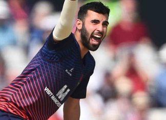 Mahmood celebrates